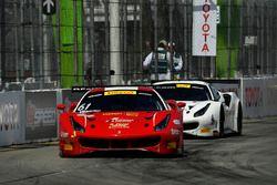 #61 R.Ferri Motorsport Ferrari 488 GT3: Toni Vilander, #31 TR3 Racing Ferrari 488 GT3:: Daniel Mancinelli