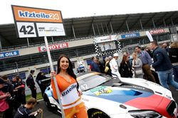 Grid girl, #42 BMW Team Schnitzer BMW M6 GT3: Mikkel Jensen, Timo Scheider