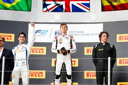Podium: second place Sergio Sette Camara, Carlin, winner George Russell, ART Grand Prix, third place Roberto Merhi, MP Motorsport