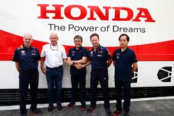 Adrian Newey, Chief Technical Officer, Red Bull Racing, Helmut Markko, Consultant, Red Bull Racing, Masashi Yamamoto, General Manager, Honda Motorsport, Christian Horner, Team Principal, Red Bull Racing, and Toyoharu Tanabe, F1 Technical Director, Honda, celebrate a new engine supply deal for 2019