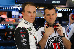 Kevin Harvick, Stewart-Haas Racing Ford Fusion and crew chief Rodney Childers