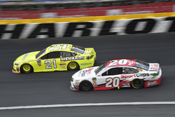 Paul Menard, Wood Brothers Racing, Ford Fusion Menards / Knauf, Erik Jones, Joe Gibbs Racing, Toyota Camry Sport Clips