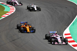 Esteban Ocon, Force India VJM11, Fernando Alonso, McLaren MCL33, Lance Stroll, Williams FW41, Sergio Perez, Force India VJM11
