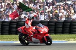 Yarış galibi Max Biaggi