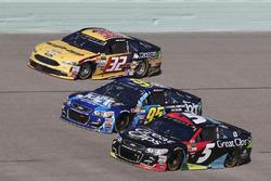 Kasey Kahne, Hendrick Motorsports Chevrolet Michael McDowell, Leavine Family Racing Chevrolet Matt D