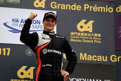 Podium: Ralf Aron, Van Amersfoort Racing, Dallara Mercedes