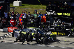 Jimmie Johnson, Hendrick Motorsports, Chevrolet Camaro Lowe's for Pros makes a pit stop, Sunoco