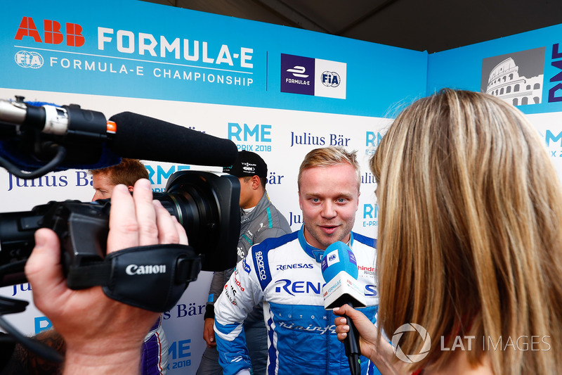 Felix Rosenqvist, Mahindra Racing, talks to TV Presenter Nicki Shields