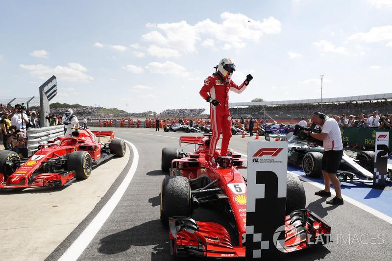 Sebastian Vettel, Ferrari SF71H, festeggia nel parco chiuso