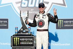 Kevin Harvick, Stewart-Haas Racing, Ford Fusion Jimmy John's celebrates in victory lane