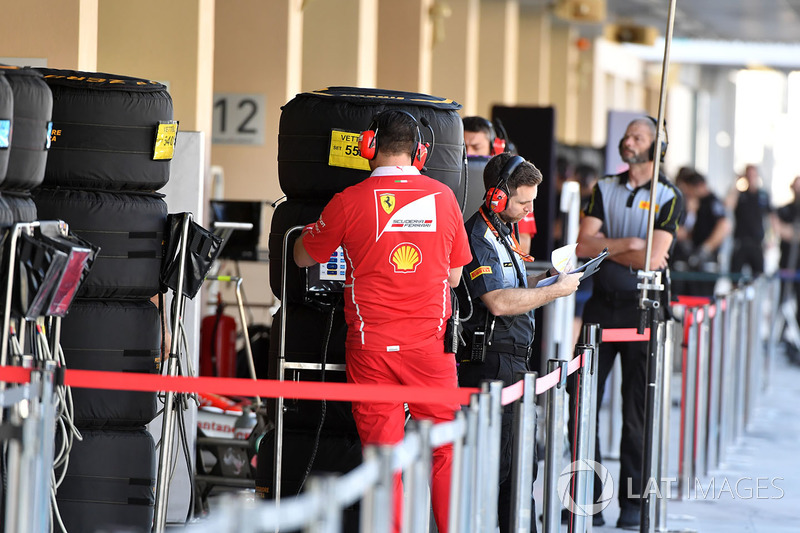Ferrari with Pirelli engineer and Pirelli tyres