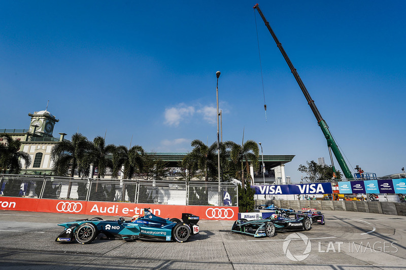Oliver Turvey, NIO Formula E Team, Nelson Piquet Jr., Jaguar Racing
