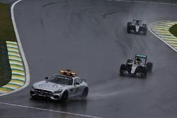 Lewis Hamilton, Mercedes F1 W07 Hybrid, and Nico Rosberg, Mercedes F1 W07 Hybrid, behind the Safety Car