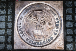 Hand imprint ceremony: the plate for 24 Hours of Le Mans 2015 winners Porsche Team Nick Tandy and Ea