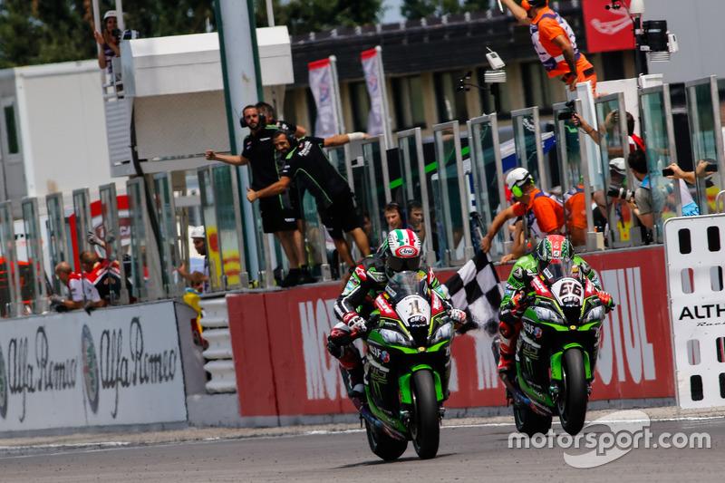 Jonathan Rea, Kawasaki Racing team e Tom Sykes, Kawasaki Racing Team
