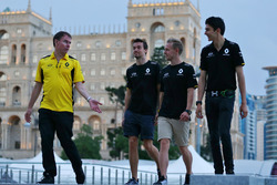 (L to R): Alan Permane, Renault Sport F1 Team Trackside Operations Director with Jolyon Palmer, Rena