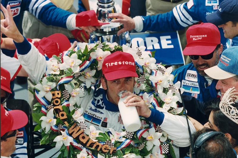1997 - Arie Luyendyk vence pela segunda vez