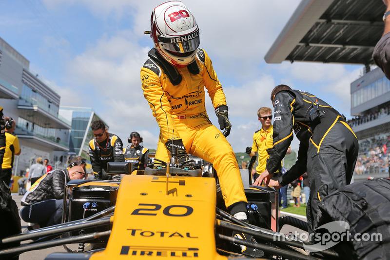 Magnussen ouvre le compteur de Renault