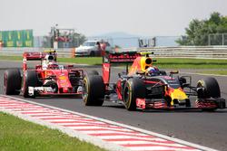 Unfall: Max Verstappen, Red Bull Racing, RB12; Kimi Räikkönen, Ferrari, SF16-H