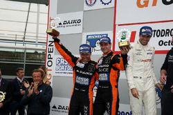 Podio: al secondo posto #27 Orange 1 Team Lazarus Lamborghini Huracan GT3: Thomas Biagi, Fabrizio Crestani