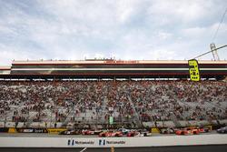 Partenza: Erik Jones, Joe Gibbs Racing Toyota al comando