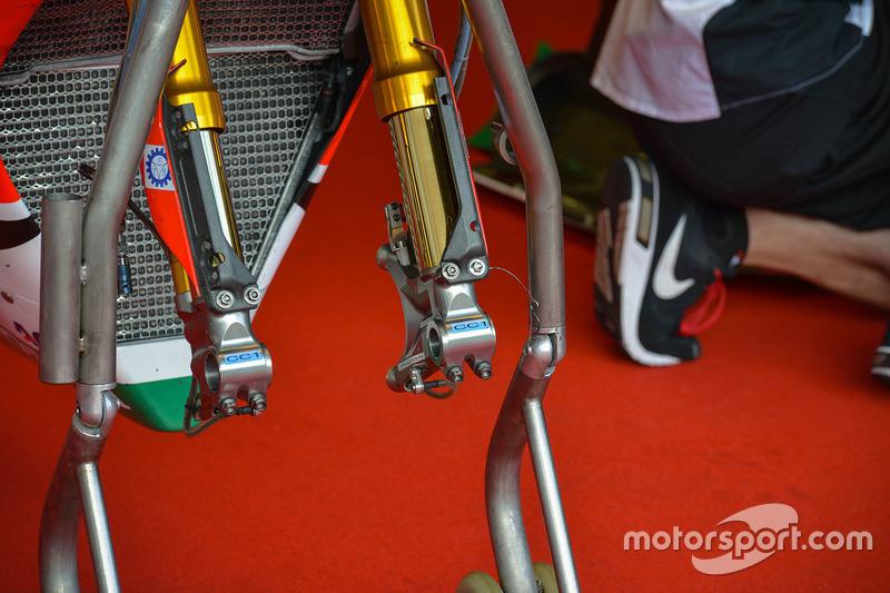 Cal Crutchlow, Team LCR Honda bike detail
