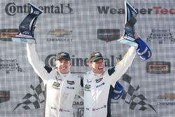 Les vainqueurs GTLM Tommy Milner, Oliver Gavin, Corvette Racing
