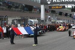 Nice'deki saldırı için 1 dakikalık saygı duruşu