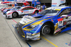 #19 Team Wedssport Bandoh Lexus RC F