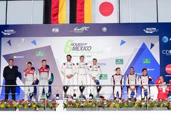 Podium: race winners Timo Bernhard, Mark Webber, Brendon Hartley, Porsche Team, second place Marcel