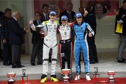 Podium : 2e Ferdinand Habsburg, Fortec Motorsports; 1er Sacha Fenestraz, Tech 1 Racing; 3e Max Defourny, R-ace GP
