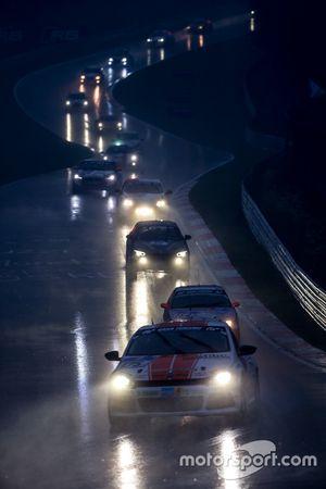 Race restart behind saftey car