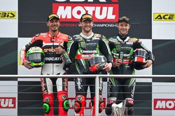 Podium : le vainqueur Tom Sykes, Kawasaki Racing Team, le deuxième Davide Giugliano, Aruba.it Racing - Ducati Team, Jonathan Rea, Kawasaki Racing Team