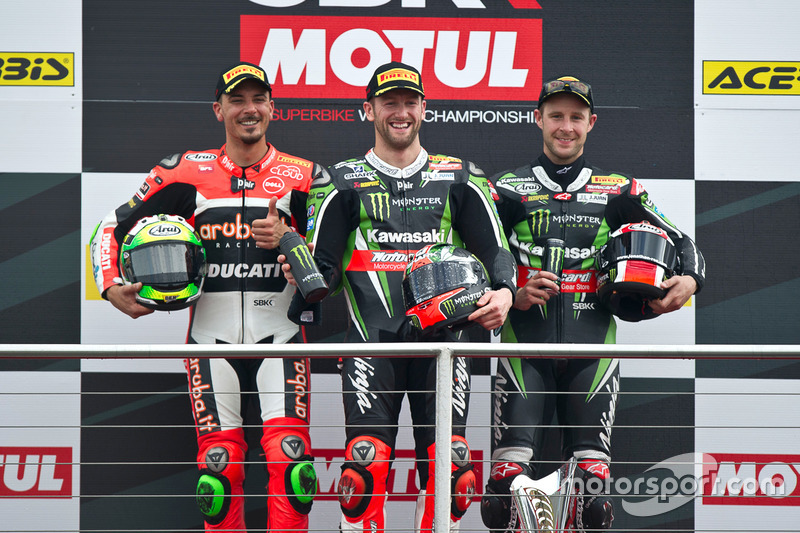 Podio : il vincitore Tom Sykes, Kawasaki Racing Team, il secondo Davide Giugliano, Aruba.it Racing - Ducati Team, il terzo Jonathan Rea, Kawasaki Racing Team