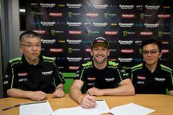 Tom Sykes, Kawasaki Racing Team ile olan kontratını uzatıyor