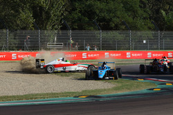 Marcos Siebert, Jenzer Motorsport and Mick Schumacher, Prema Powerteam crash