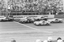 Erstes Rennen von Dale Earnhardt in der No2
