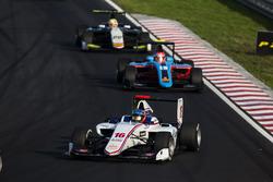 Matevos Isaakyan, Koiranen GP leads Richard Gonda, Jenzer Motorsport