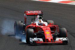 Sebastian Vettel, Ferrari SF16-H bloque une roue au freinage