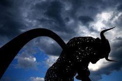 La statue Red Bull