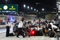 Esteban Gutierrez, Haas F1 Team VF-16 simule un arrêt aux stands