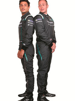 Mitch Evans, Jaguar Racing met Adam Carroll, Jaguar Racing