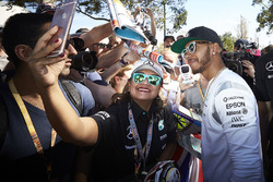 Lewis Hamilton, Mercedes AMG F1 Team with fans