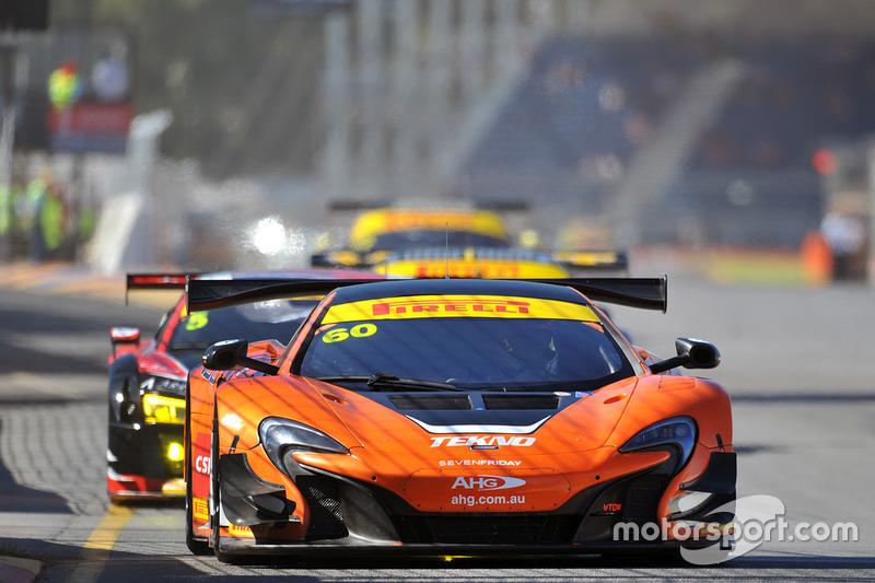 #60 McLaren 650S GT3: Nathan Morcom