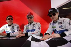 Райан Бриско, Ричард Уэстбрук и Штефан Мюкке, #67 Ford Performance Chip Ganassi Racing Ford GT