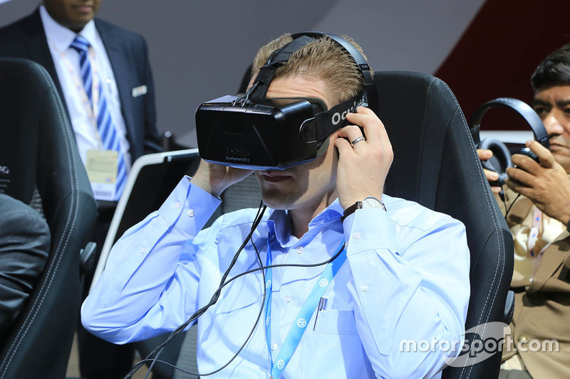 Toyota virtual reality