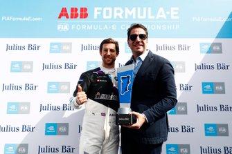 Pole Award Winner Alexander Sims, BMW I Andretti Motorsports, BMW iFE.20
