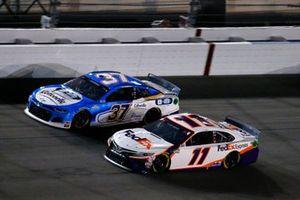 Denny Hamlin, Joe Gibbs Racing, Toyota Camry FedEx Express, Ryan Preece, JTG Daugherty Racing, Chevrolet Camaro Cottonelle