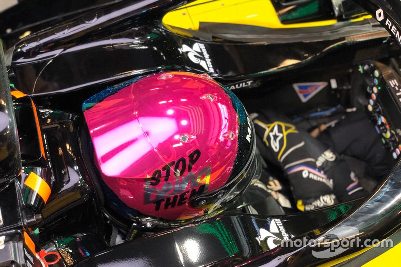 El casco de Daniel Ricciardo para el GP de Abu Dhabi