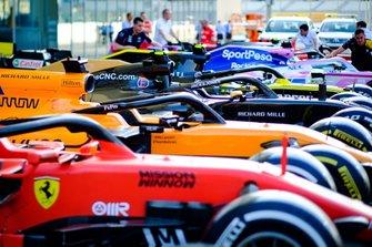 Ferrari SF90, McLaren MCL34,Haas F1 Team VF-19 , Renault F1 Team R.S.19, Racing Point